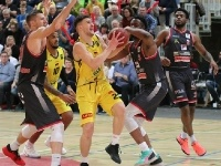 Knights vs.Artland Dragons 80:75_13